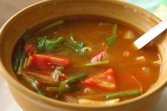 adia-2007-11-26-DSC-1266-bowl-hot-sour-soup-tom-yam-goong-thailand-koh-samui-cringel.com